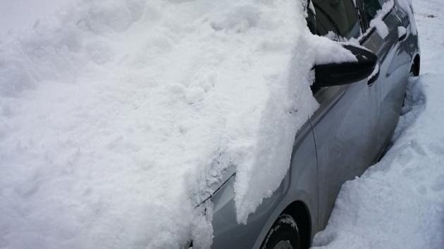 Sneg na krovu automobila = kazna 5000 dinara!
